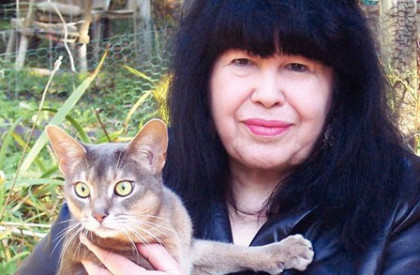 marge-piercy con gato
